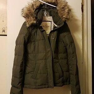 Great Hollister coat. Removable hood.